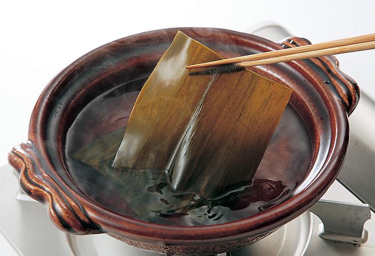 風味豊かなだしがとれる昆布。煮物をはじめ多くの料理に活躍します