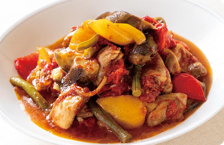 鶏肉と夏野菜のトマトソース煮